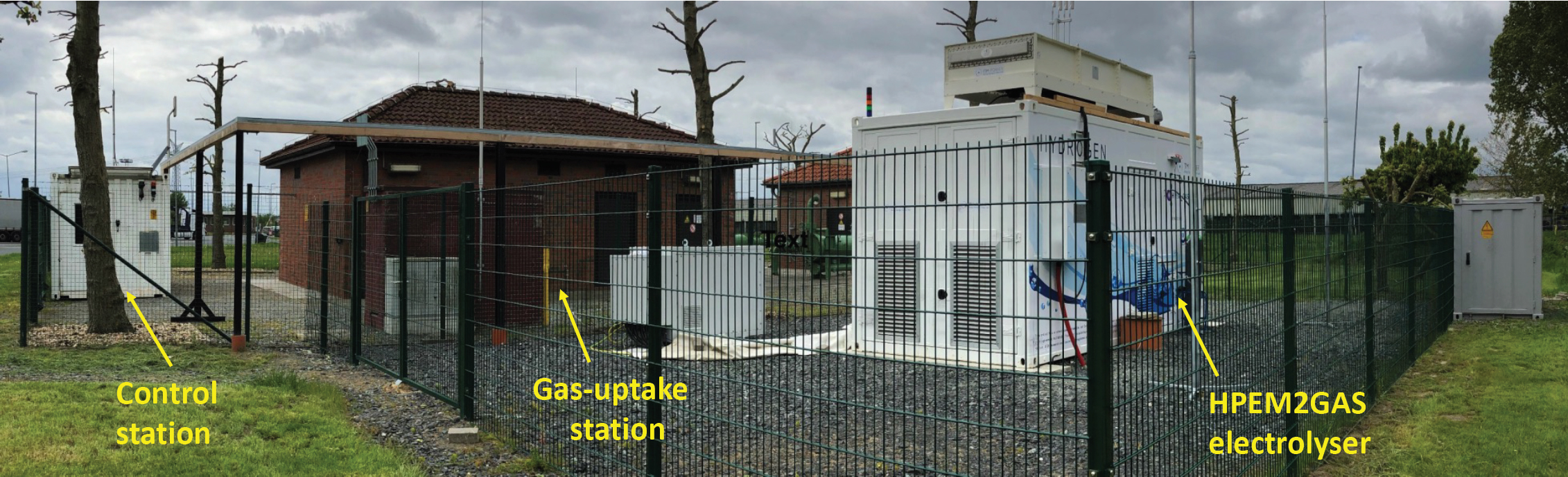 a picture of  power-to-gas plant. On the right, the high performance 200 kW electrolyser close to the  Gas-uptake station