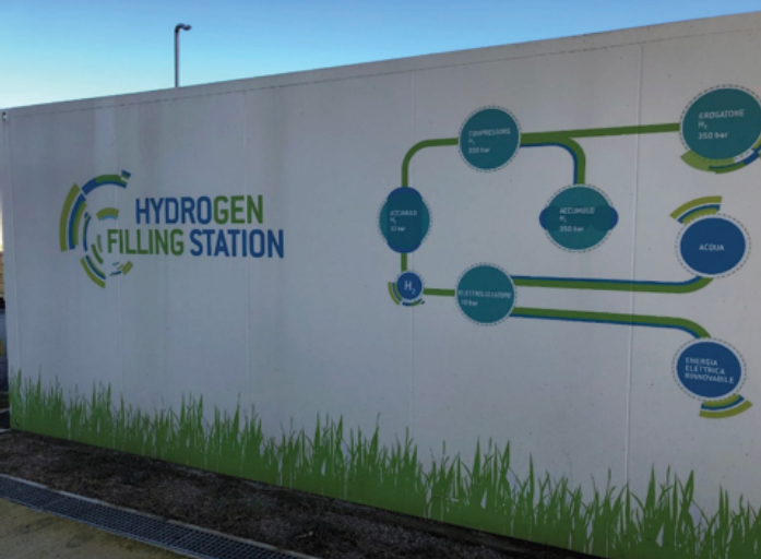 picture of a solar-powered  hydrogen refuelling  station