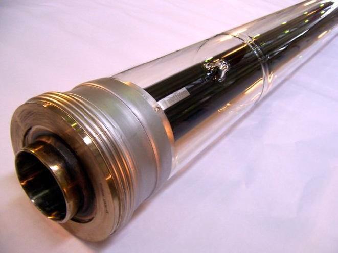 Fig. 2   Tubo ricevitore evacuato con assorbitore selettivo realizzato su brevetto ENEA [6]