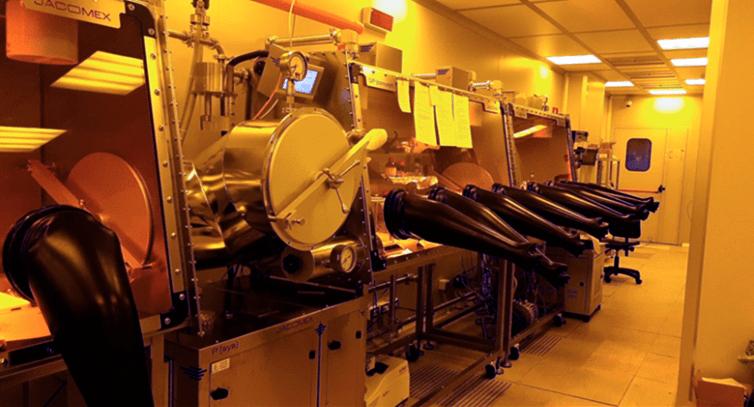 Fig. 2   Laboratorio ENEA nel Centro Ricerche Portici per la ricerca sulle celle a base di perovskite