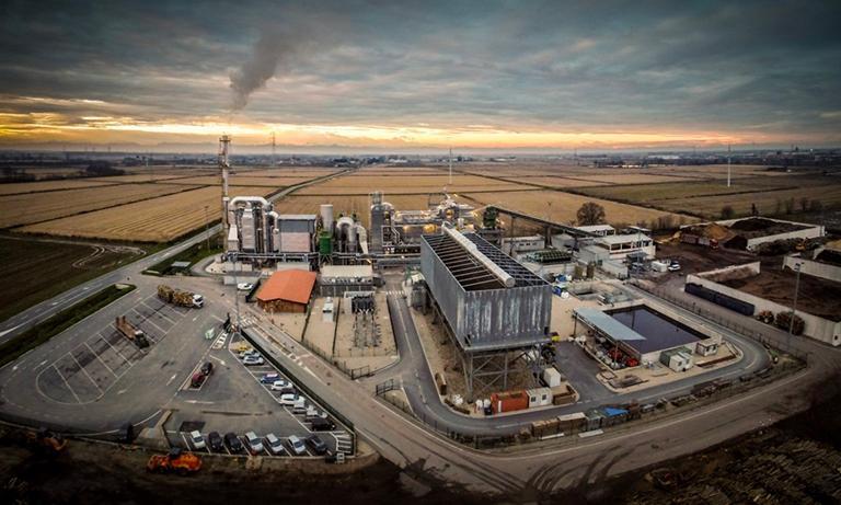 Impianto a biomasse di Olevano di Lomellina (Pavia). La centrale elettrica è alimentata da cippato di pioppo